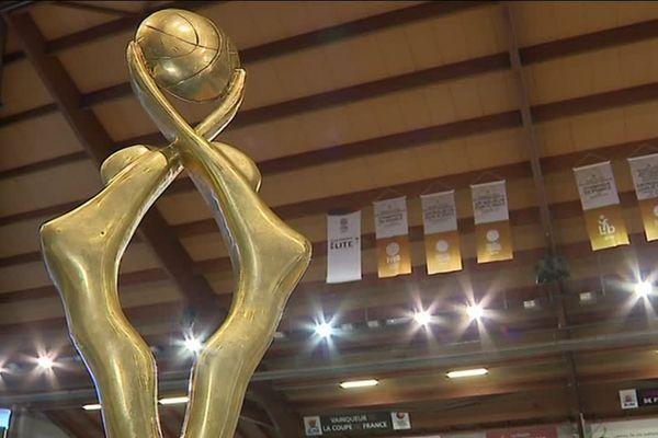 Le trophée de championnes de France de basket féminin