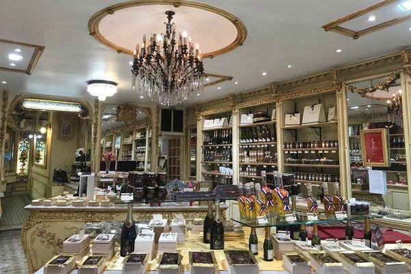 La boutique du chocolatier-confiseur Thierry Auer à Nice, une boutique à l'ancienne.