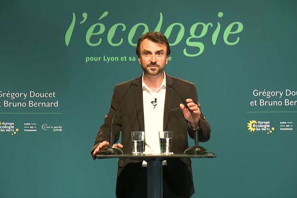 """Grégory Doucet, lors de son discours à Lyon: """"Rien ne se fera contre les Lyonnaises et les Lyonnais. Nous vivons un moment historique."""""""