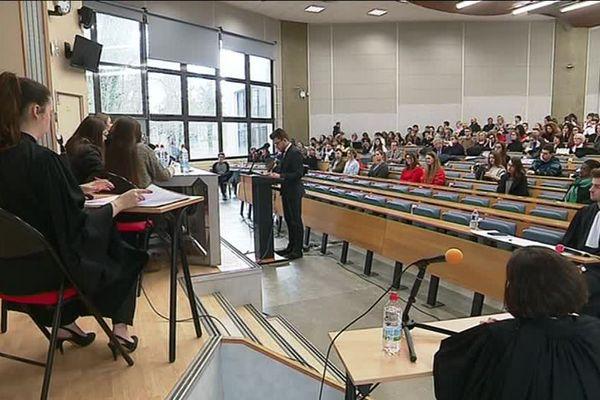 Le faux procès s'est tenu vendredi 2 mars dans l'université d'Orléans