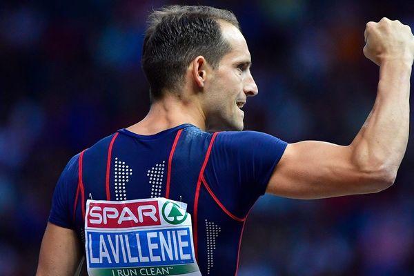 Renaud Lavillenie a fait tout ce qu'il a pu, mais il doit se contenter de la médaille de bronze. Le Clermontois a croisé la route d'un Suédois prodige, qui plaçait la barre très haut.