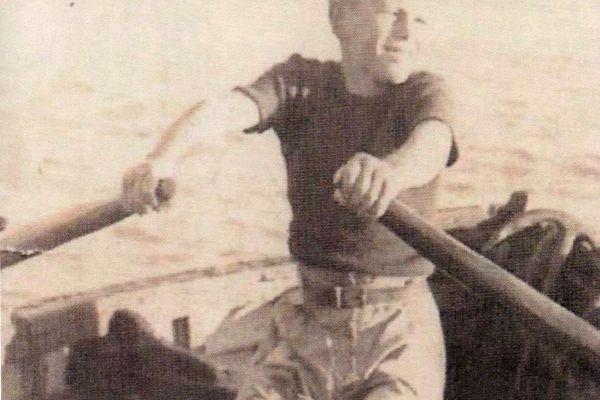 Yves Bramoullé à 11 ans fait route sur l'île Venan pour aller ramasser le goémon