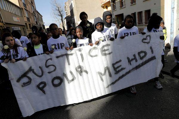 """De nombreux jeunes avaient participé en février dernier à la marche blanche pour réclamer """"justice pour Mehdi""""."""