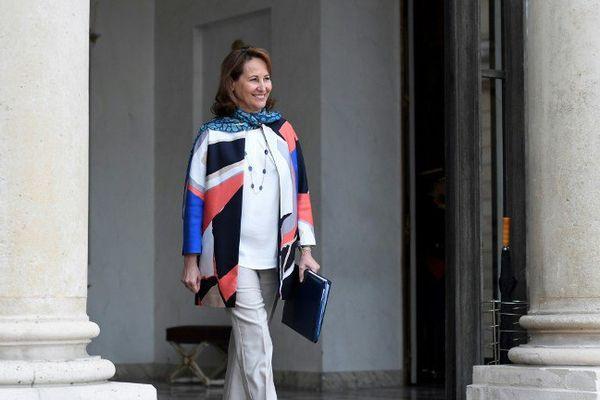 Ségolène Royal sur le perron du palais de l'Élysée ce 22 mars 2017.