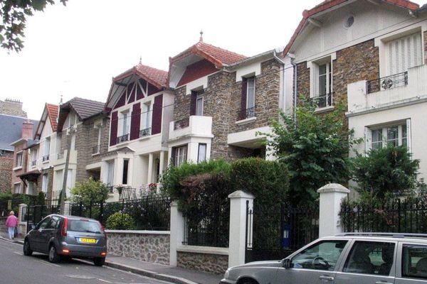 Une rue du Raincy, en Seine-Saint-Denis.