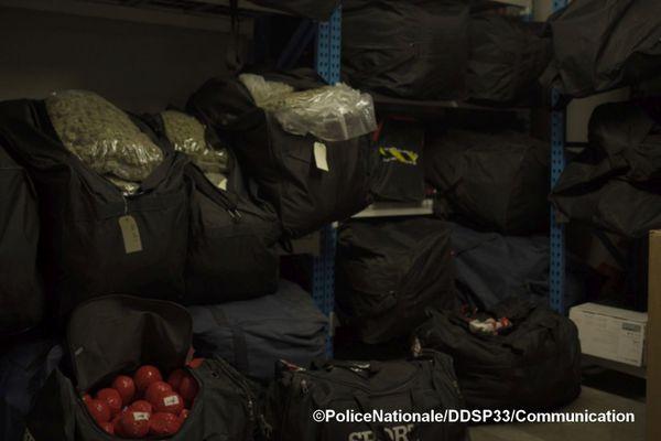 La DDSP de Bordeaux a réalisé une saisie de 952 kilos de cannabis à Bruges dans la nuit du 27 au 28 mai, au terme d'une enquête longue de plusieurs mois.