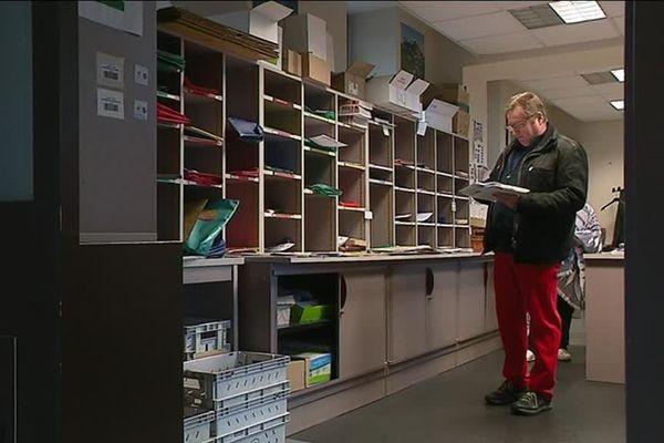 Le conseil départemental de la Corrèze reçoit plus de 12 000 lettres par mois, à répartir chaque matin dans les services