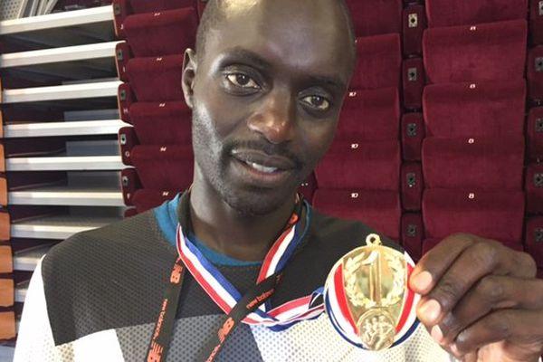 Le vainqueur du Marseille-Cassis Henry Kiplagat.