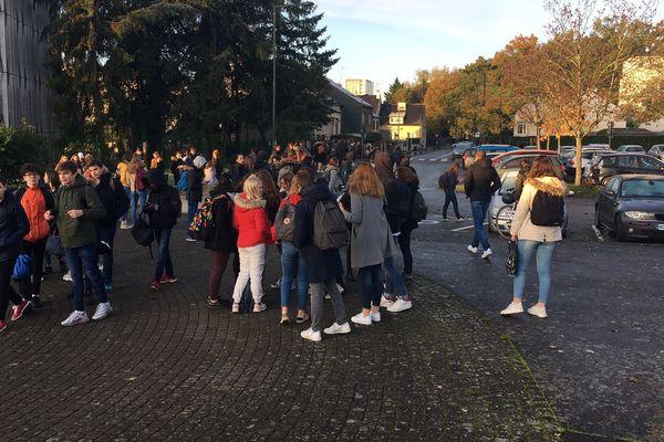 Blocage au lycée René-Descartes à Rennes
