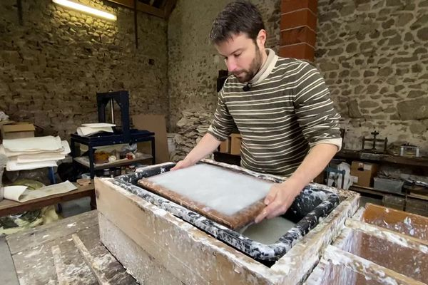 Bruno Pasdeloup en pleine fabrication