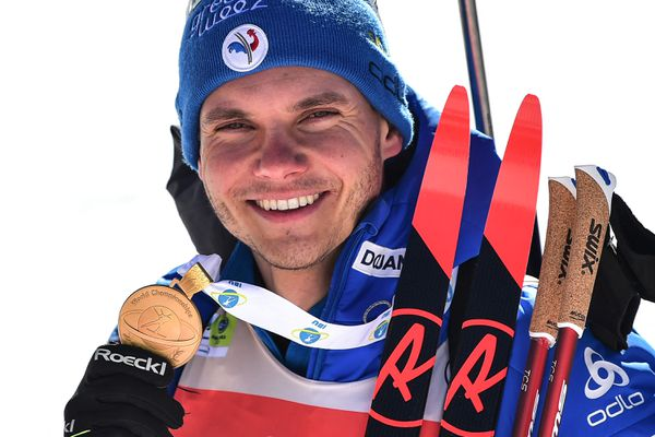 L'Isérois Emilien Jacquelin a créé la surprise aux Mondiaux de biathlon à Pokljuka, en Slovénie.