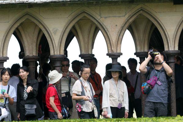 Les groupes de touristes ne seront pas de retour cette année au Mont Saint-Michel, les agences de voyage internationales annulent toutes les réservations qui avaient été prises et même pour l'automne, ça devient compliqué.