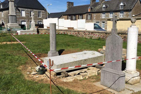 La municipalité de Reffuveille veut construire un parking sur l'emplacement de certaines concessions funéraires.
