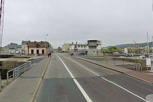 Le pont tournant de Cherbourg (illustration, archives)