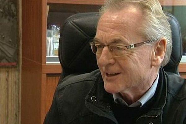 Le maire de Lessay, Claude Tarin, démissionne après s'être fait cambrioler pendant la foire (9 septembre 2013)