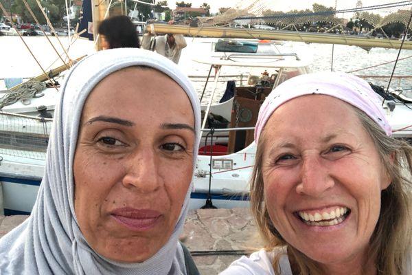 Rencontre émue de Yasmina Farber avec Rasha, enseignante syrienne