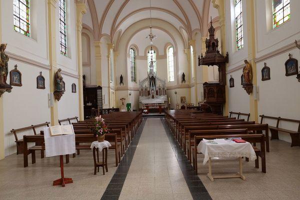 L'intérieur de l'église Saint-Amand de Rieulay