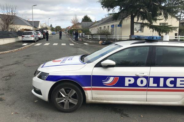 d'importantes force de police ont été mobilisées suite à la rixe au couteau qui a eu lieu le 13 novembre peu avant midi à Avrillé
