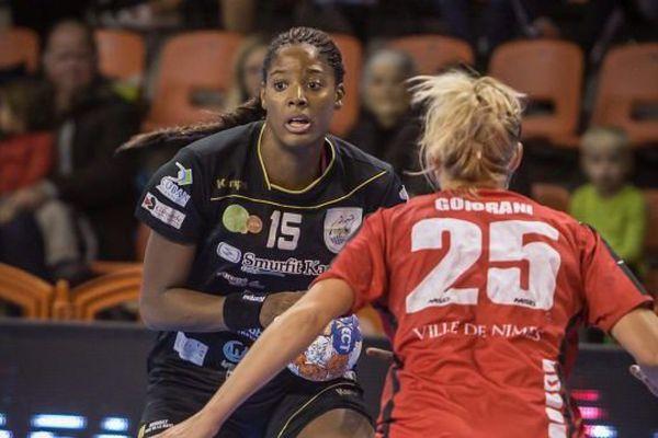 La handballeuse Audrey Bruneau lors d'une rencontre entre le Bègles Bordeaux Hand et le HBCN de Nîmes. 16 oct 2015