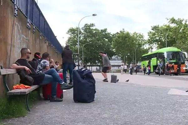 Le parking faisant office de gare routière à Bordeaux n'est pas à la hauteur des attentes des usagers