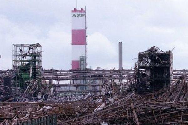 L'usine AZF, après l'explosion du 21 septembre 2001.