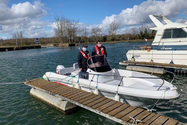 Une leçon de bateau à Niffer, le samedi 27 mars 2021.