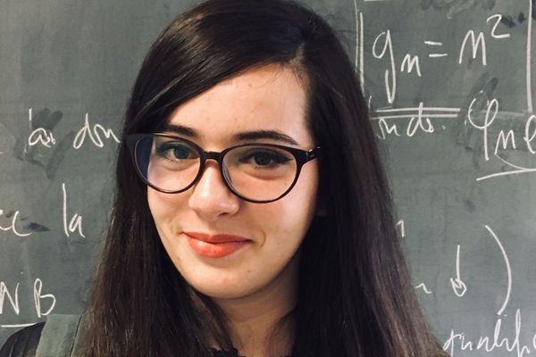 Maria Boumbar, 22 ans, est étudiante en 3ème année de physique à Vandoeuvre-lès-Nancy.