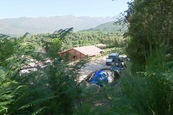 C'est dans ce chalet, à flanc de colline à Ucciana, que s'est déroulé le drame, le soir du 28 août 2016.