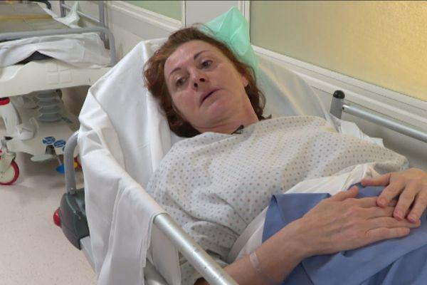 Au terme de 12 ans de souffrance, Isabelle a dû se faire retirer son implant.