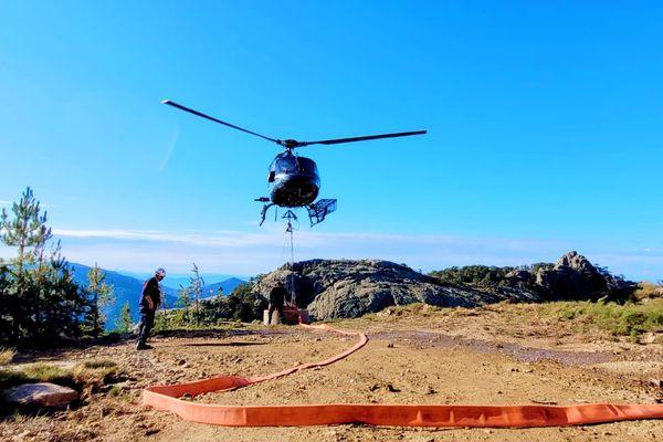 L'hélicoptère du Sdis 2A a effectué 43 largages ce jeudi.