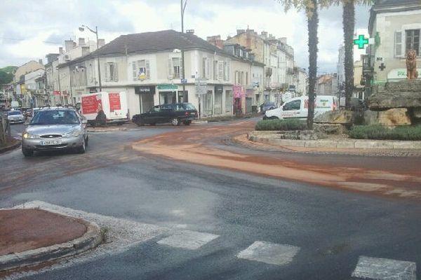 L'accident a eu lieu sur ce rond-point, rue Wilson à Périgueux.