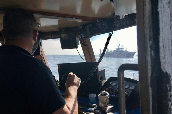 A bord de Black Pearl II, Grégory Métayer avait tenté de bloquer en mai 2020 le Geo Ocean IV missionné par RTE pour effectuer des sondages sur les fonds marins.