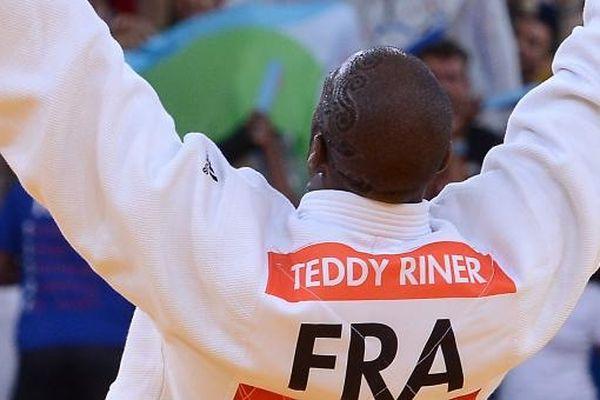 Le Français a ajouté à son palmarès le seul titre qui lui manquait, face au Russe Alexander Mikhaylin, à seulement 23 ans.