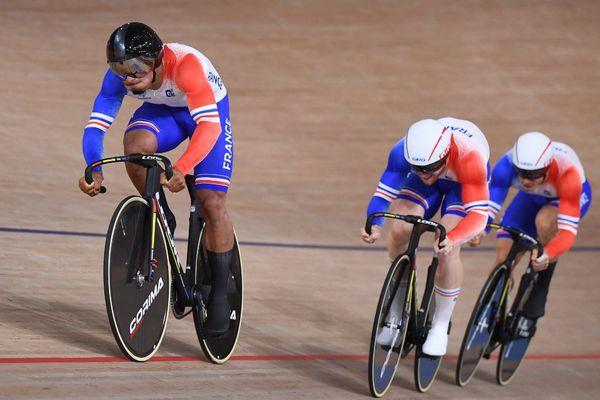 Florian Grengbo, Sébastien Vigier et Rayan Helal au Vélodrome d'Izu au Japon ce mardi 3 août.
