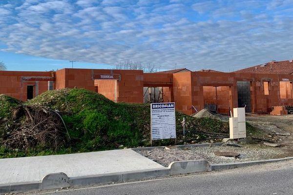 A Cugnaux, un élu, en charge de l'urbanisme aurait acheté un terrain à 10 euros/ m2 pour y construire une maison selon nos confrères de Médiacités. Un prix imbattable qui fait polémique.