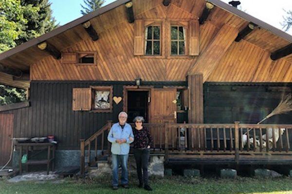 Jean-Pierre Camille Cauvin et son épouse Patricia à Casterino, avant le le passage de la tempête Alex.
