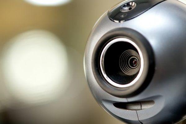 Il y avait bien une caméra dans le bureau. Mais elle n'a pas été installée par le CHRU.