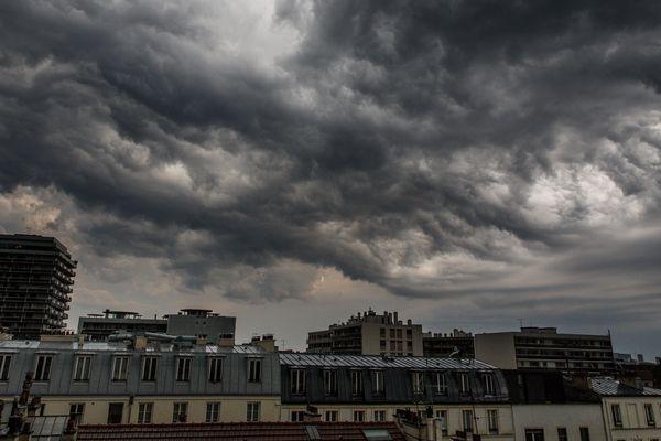 Météo-France a placé la région Île-de-France en vigilance orange pour des orages.