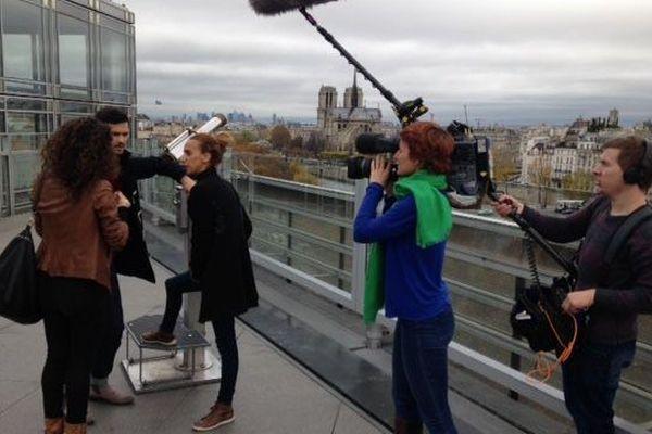Le tournage du feuilleton, à Paris.