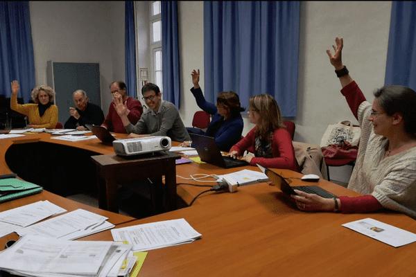 Une partie de l'équipe municipale de Saint-Augustin des Bois (2019)
