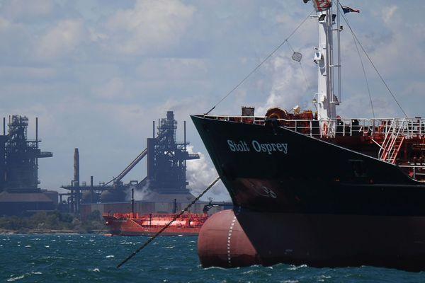 Illustration. Des pétroliers patientent dans la rade de Fos-sur-Mer pour décharger leur cargaison.