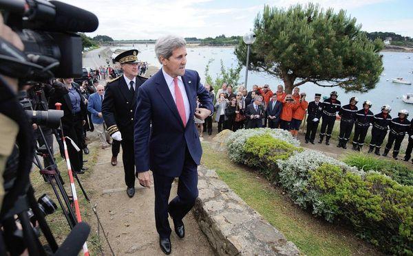 John Kerry en visite à Saint-Briac (Ille-et--Vilaine) en juin 2014, alors qu'il était secrétaire d'Etat des États-Unis