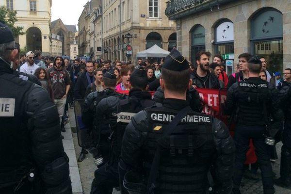 Les manifestants contre les violences policières n'ont pu manifester dans les rues du centre historique de Rennes