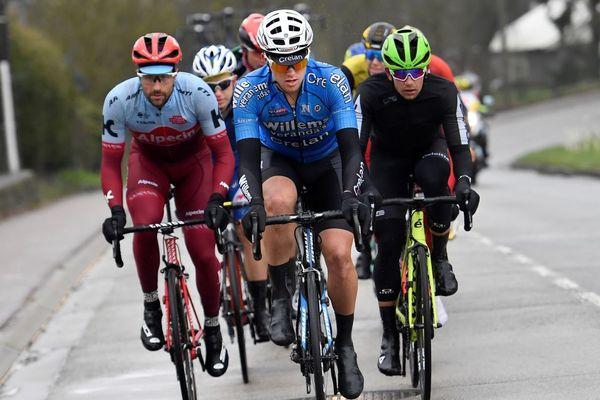 Au centre, Michael Goolaerts lors du Tour des Flandres, une semaine avant le Paris-Roubaix.