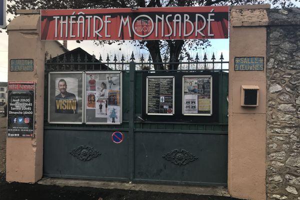 Le théâtre privé comique Monsabré dans le quartier Vienne à Blois.