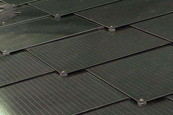 Lancement de Sunstyle, une tuile solaire fabriquée à Châtellerault.