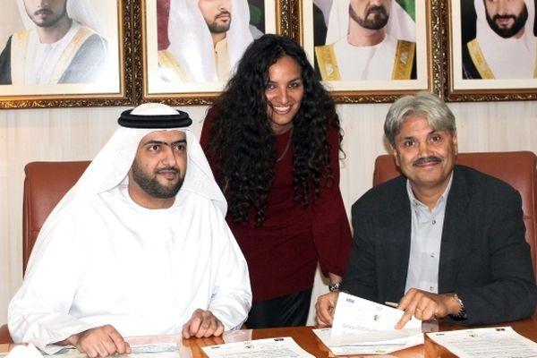 Sonia Souid, en novembre 2012, à l'occasion de la signature de Guy Lacombe comme entraîneur du club d'Al Wasl de Dubaï.