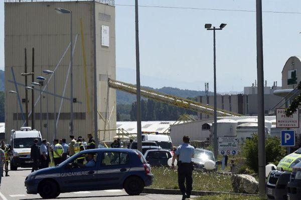 Le lieu de l'attaque terroriste, à Saint-Quentin-Fallavier, en Isère, le 26 juin 2015.