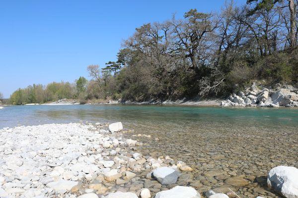 Les bords de la rivière Drôme