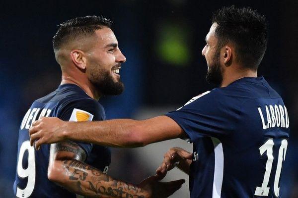 Andy Delort à la fête avec Gaetan Laborde après le premier but du MHR contre Nancy pendant les 16es de finales de la Coupe de la ligue au stade de la Mosson, le 30.10.2019.